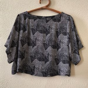 ASTR Cropped Geo Print Blouse S
